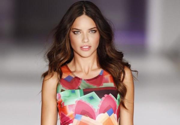 La Belleza Solidaria de la modelo Adriana Lima