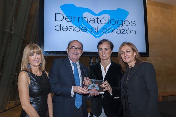 Entrega premio Dermatólogos desde el Corazón