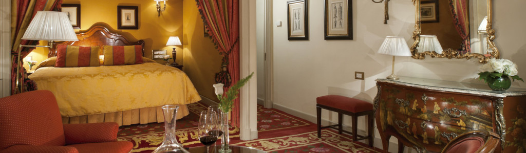 orit_1366x400_room_classic_room01