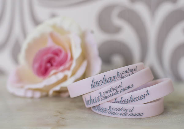 Lovely Lashes, activa contra el cáncer de mama
